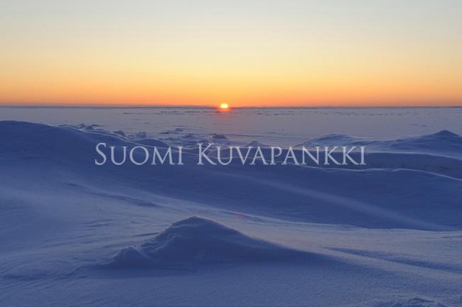 Lumi Laukut Suomi : Talvi lumi aurinko kategoriat suomi kuvapankki